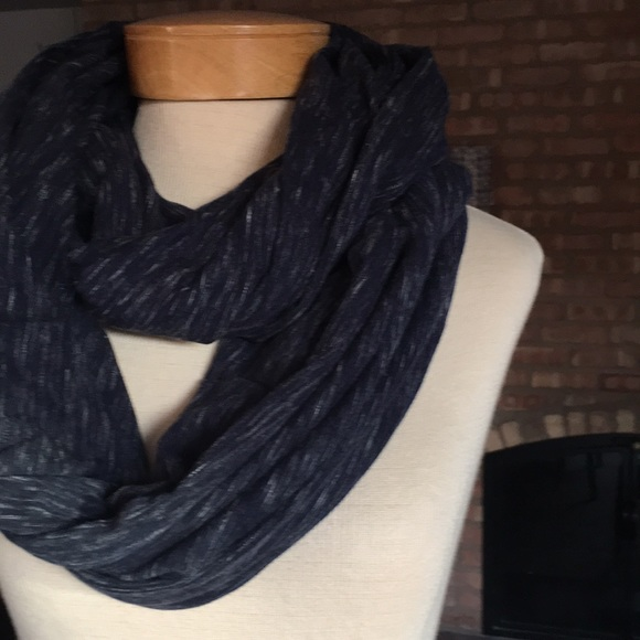 6ab20a29e48 Gap infinity scarf NWOT. Cotton T-shirt material